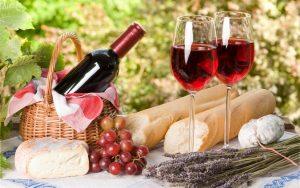 Picnic in Wine Basket